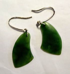 Kawakawa Greenstone Earrings L
