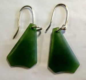 Kawakawa Greenstone Earrings M