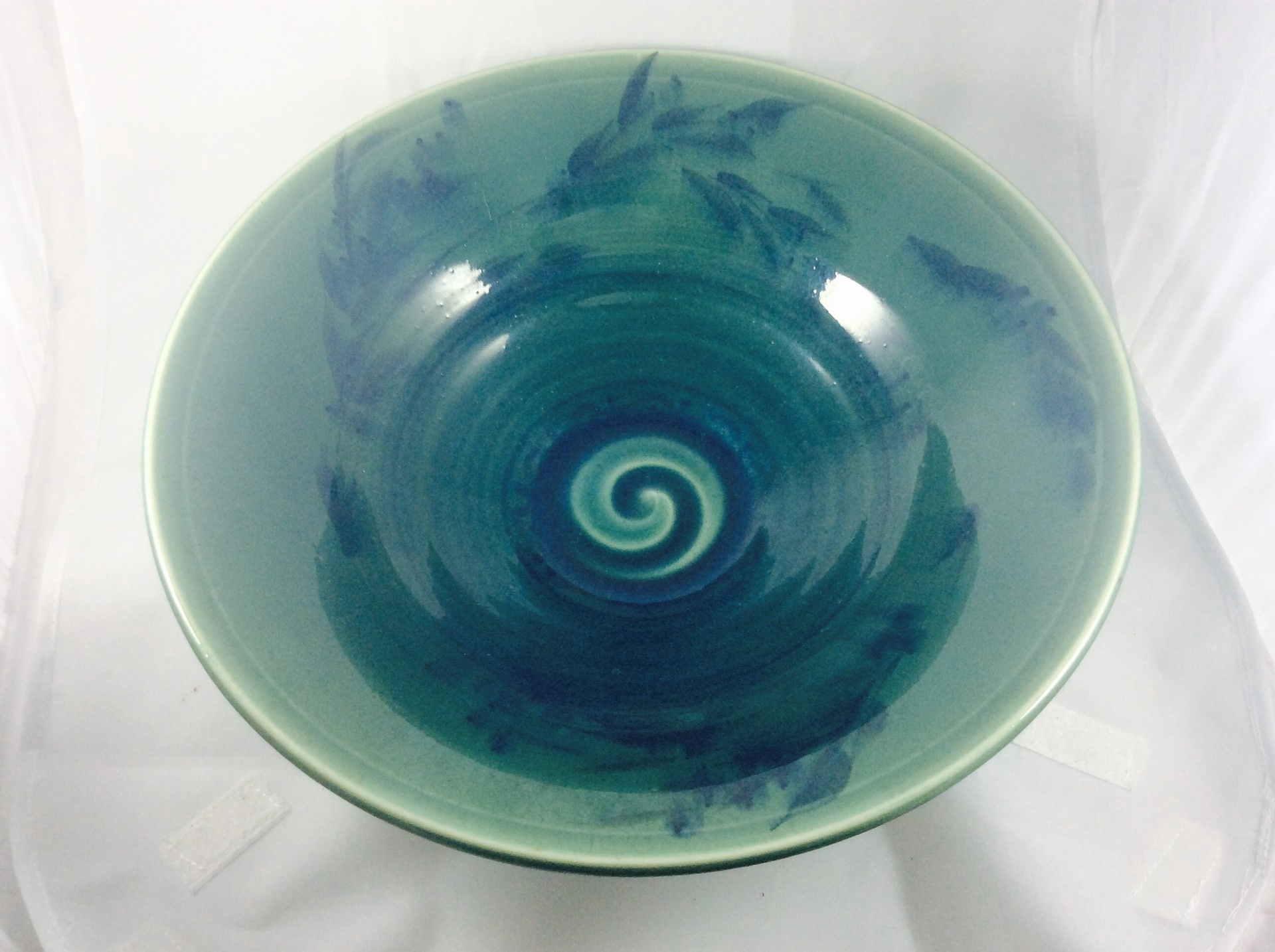 'Olives' Bowl with Jade glaze