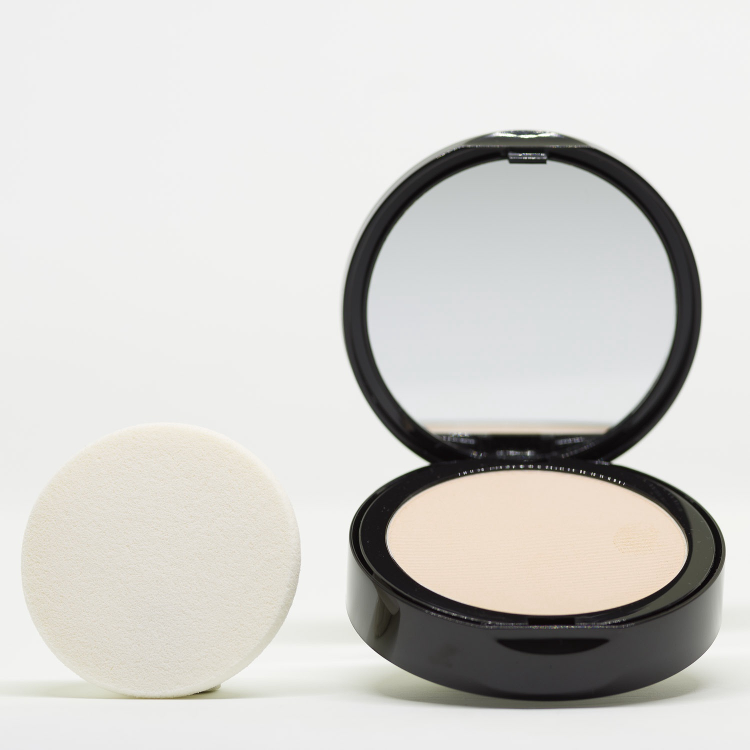 PC2 Warm Yellow Pressed Powder Mineral Foundation