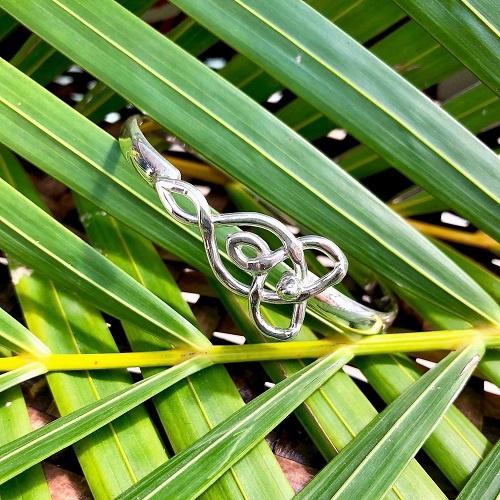 Hook Bracelet | Pamoja