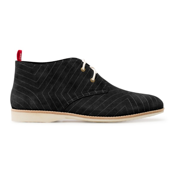 Chukka Embroidered Black