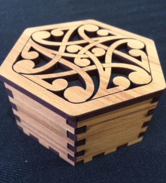 Hexagon box Koru