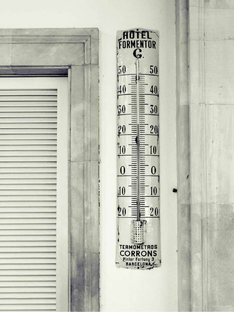 Hotel Formentor Thermometer