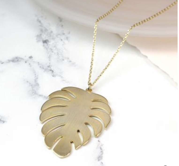 Long necklace with brushed  gold palm leaf