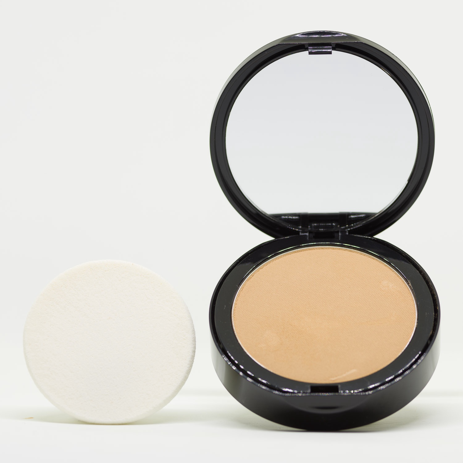 PC5 Warm Yellow Pressed Powder Mineral Foundation
