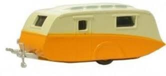 Oxford #76CV001 1/76 Orange/Cream Caravan