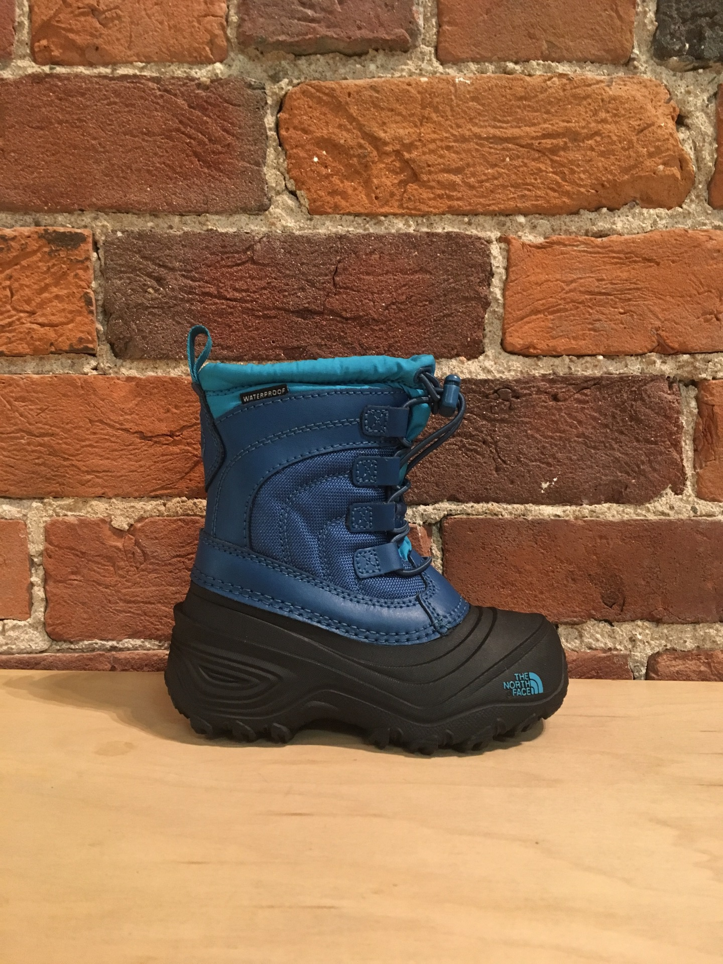 THE NORTH FACE - YOUTH ALPENGLOW IV IN EGYPTIAN BLUE/BLIZZARD BLUE