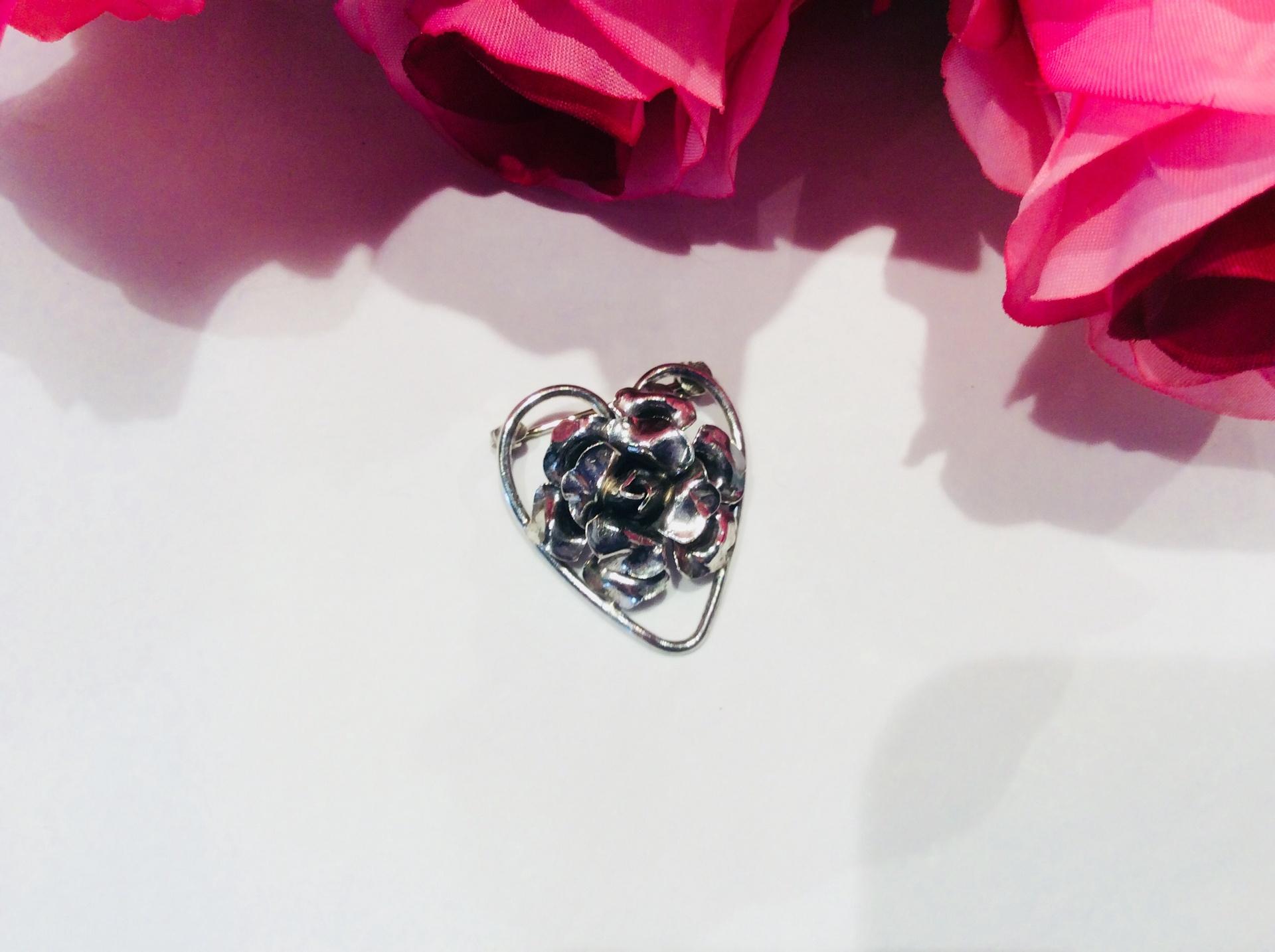 Vintage Sterling Silver Rose Heart Brooch