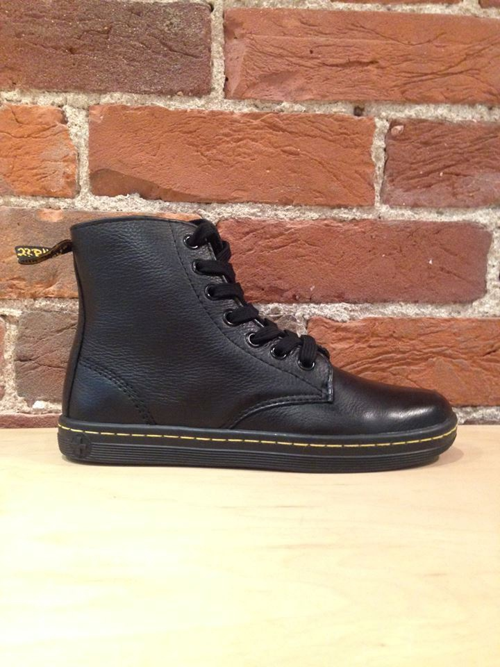 DR. MARTENS - LEYTON IN BLACK GAME ON