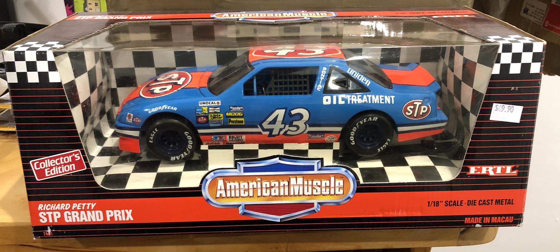 American Muscle # 7461 . 1/18 Richard Petty STP Grand Prix