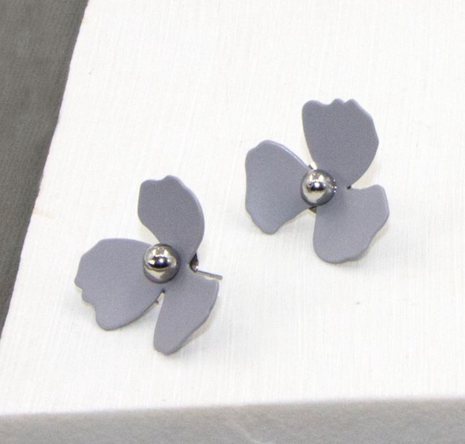Grey flower earrings with silver center. Necklace available