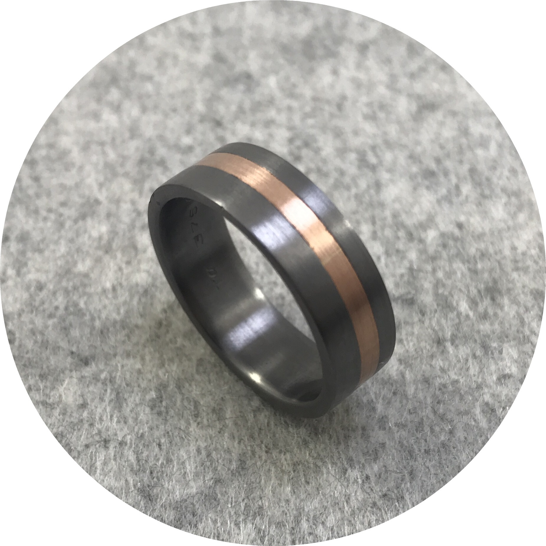 Brendan Cunningham - Tantalum and 18ct Yellow Gold Flat Band, 7.5mm wide. Size 3 1/2