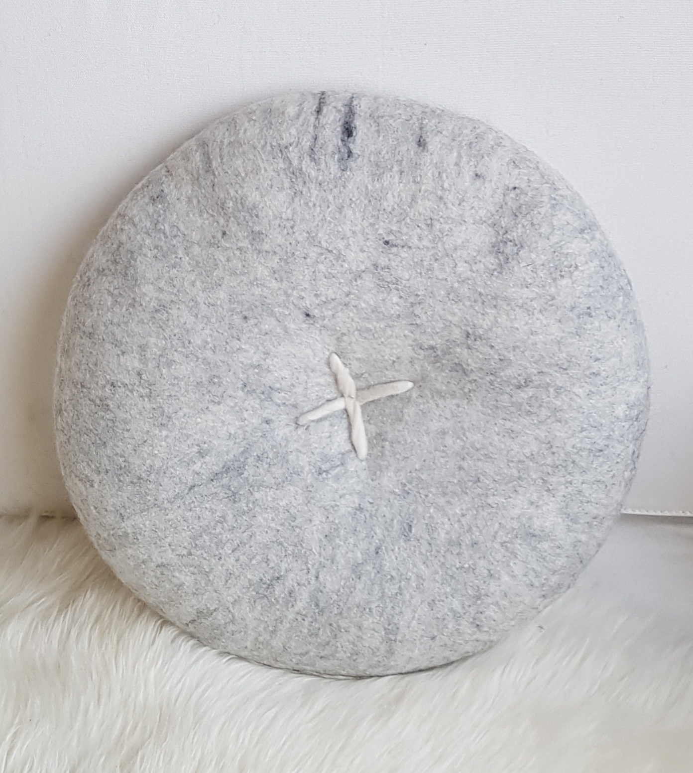 BUTTON CUSHION - GREY MARLE