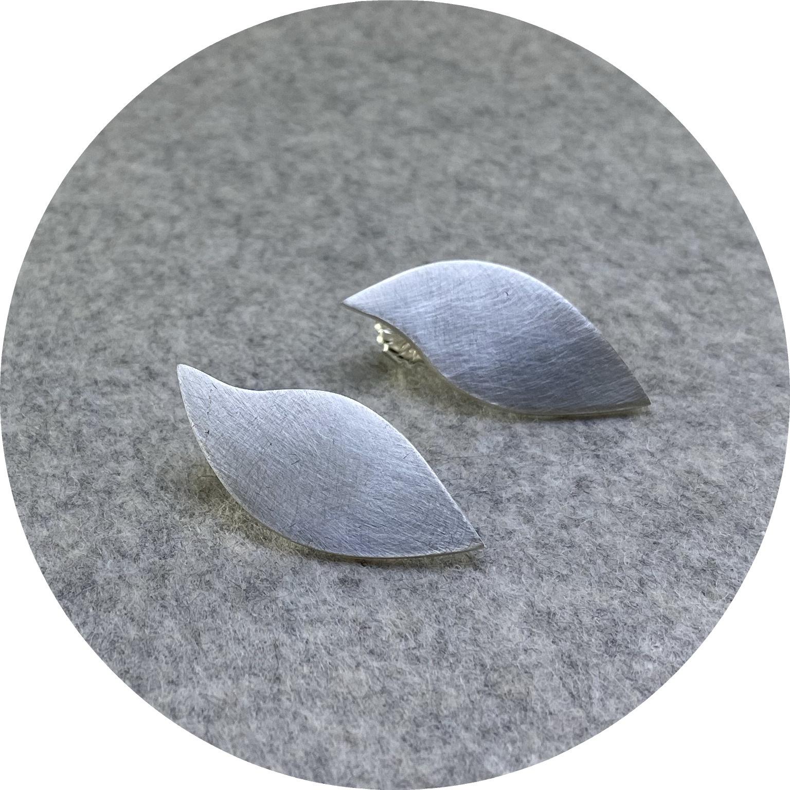 Rengin Guner - 'Leaf Earring', 925 silver