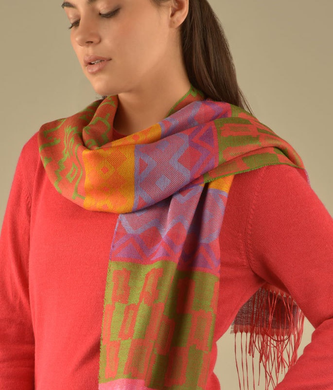 GEOTAPESTRY PATTERN SCARF C002