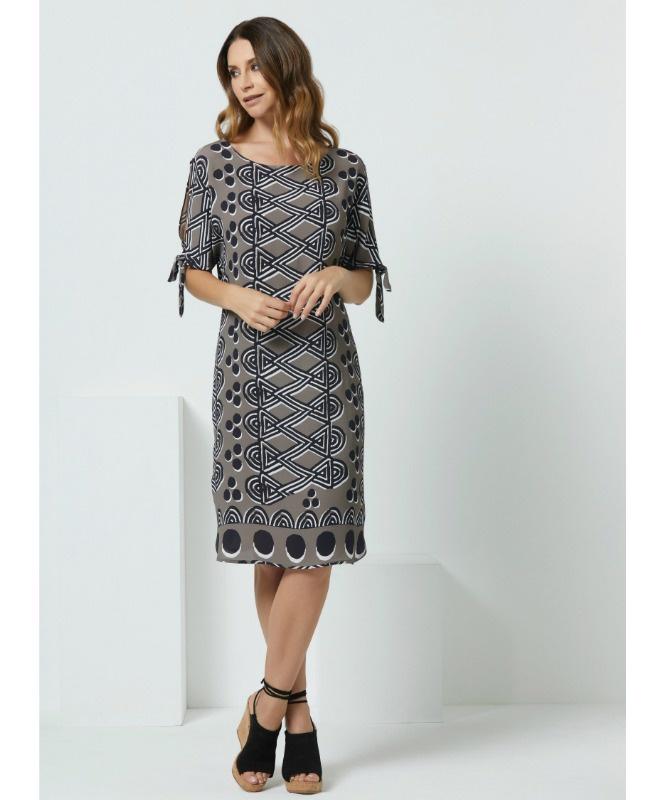 7ca2bceb2a0cac Online Women s Fashion Boutique - Dresses