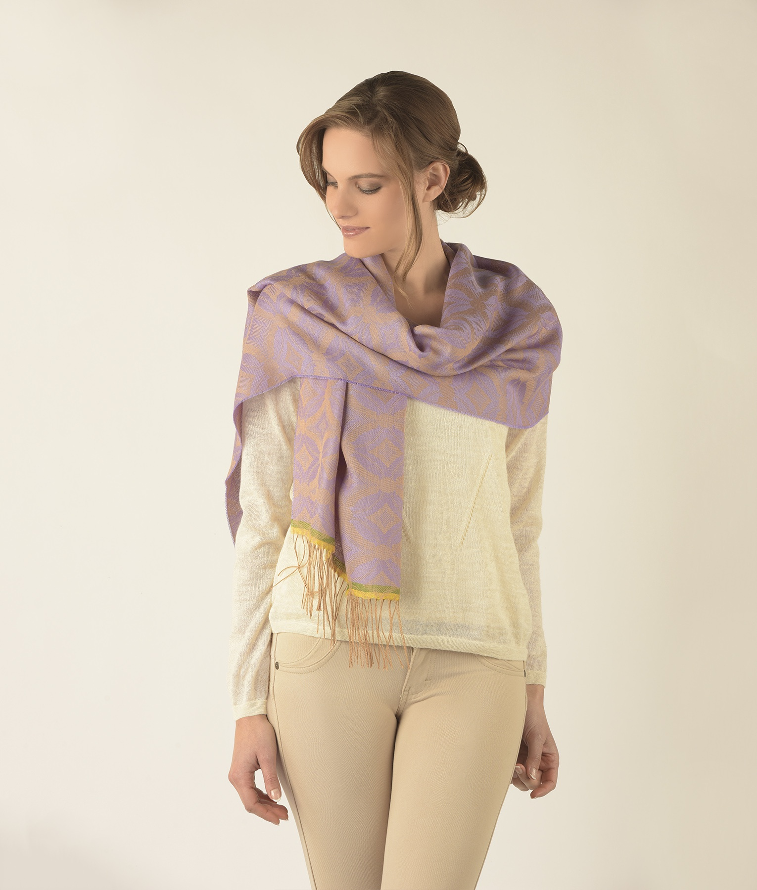 GEOMETRIC TILE DESIGN NARROW SHAWL C001