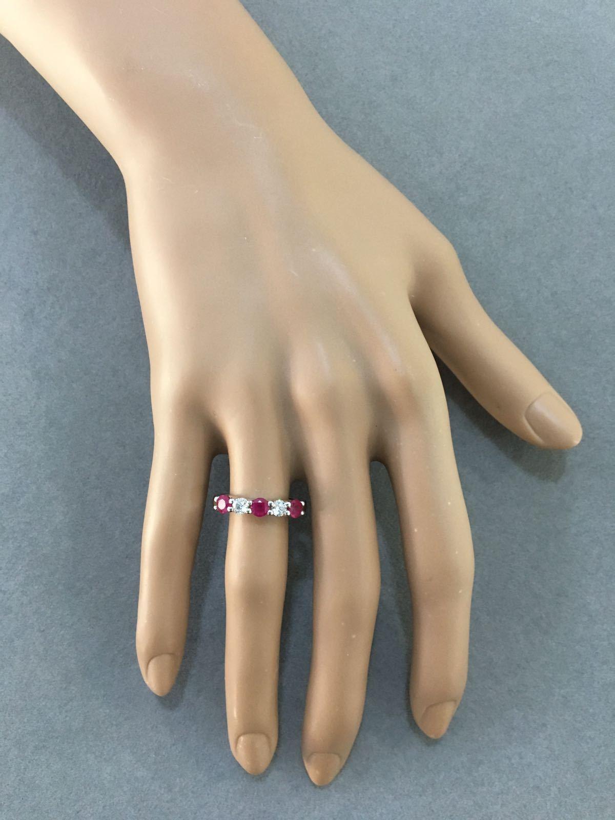 Round Shaped Diamond & Ruby Ring