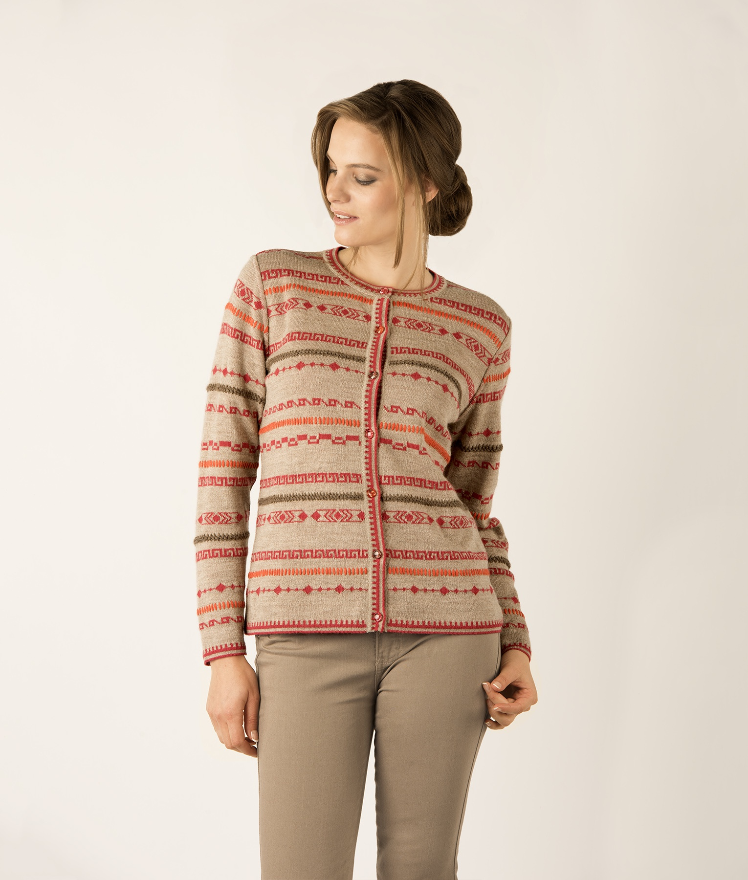 GEO PLUS EMBROIDERY CARDIGAN C001