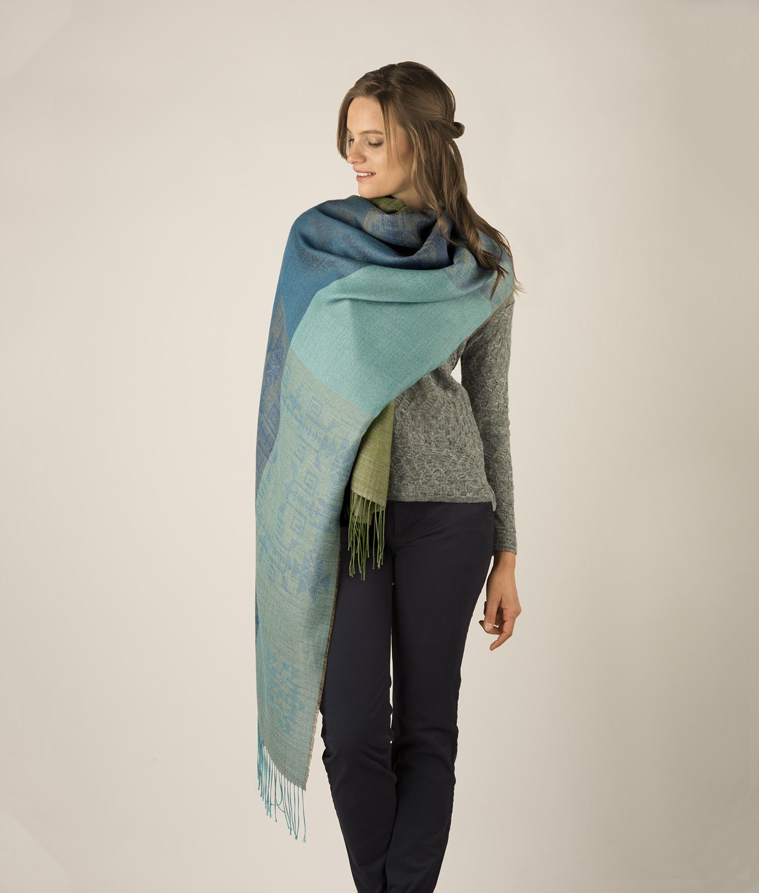 Patchwork shawl C002