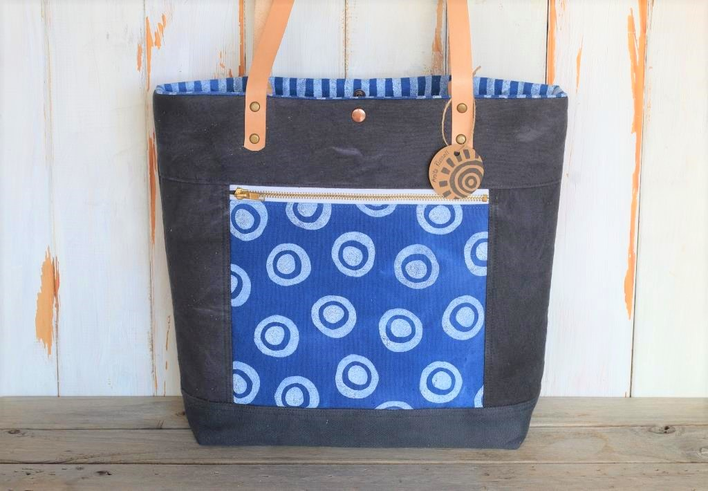 Charcoal Tote with zipped pocket
