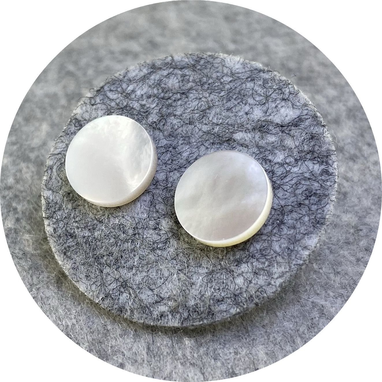 Laura Eyles - 'Mother of Pearl Small Round Studs', 925 silver