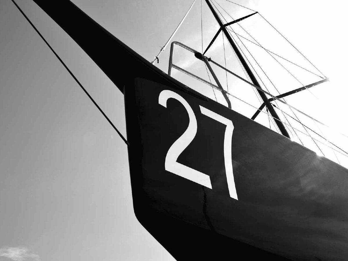 Sailing Black Yacht 27
