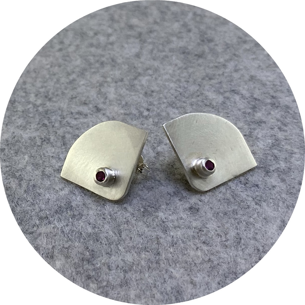 Rengin Guner - 'Cubic Zirconia Earrings', 925 silver, cz
