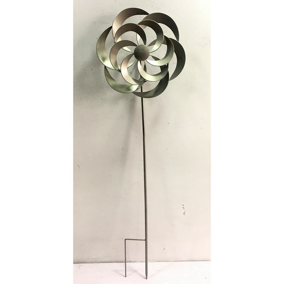 Silver Rose Windsculpture