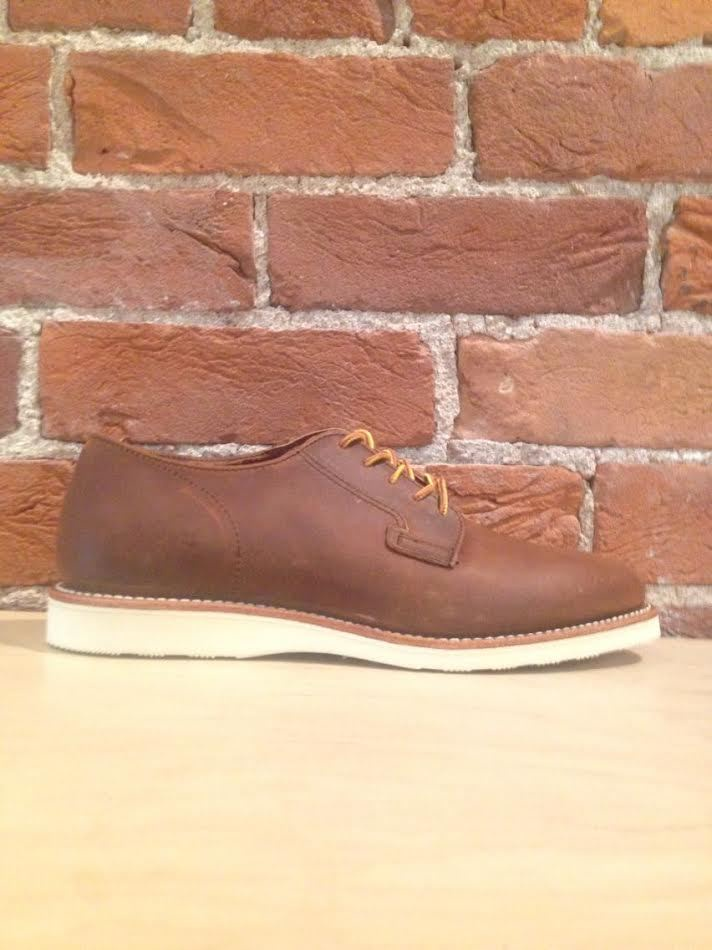 RED WING - MEN'S POSTMAN OXFORD IN COPPER ROUGH AND TOUGH LEATHER