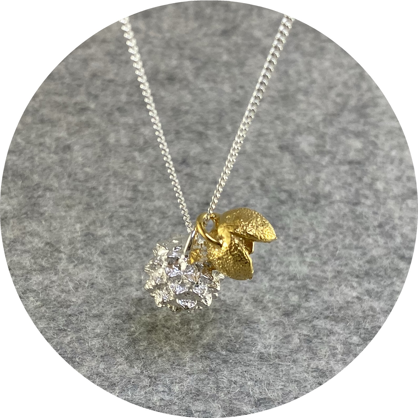 Manuela Igreja - 'She oak & Pittosporum Necklace', 925 silver, yellow gold plate