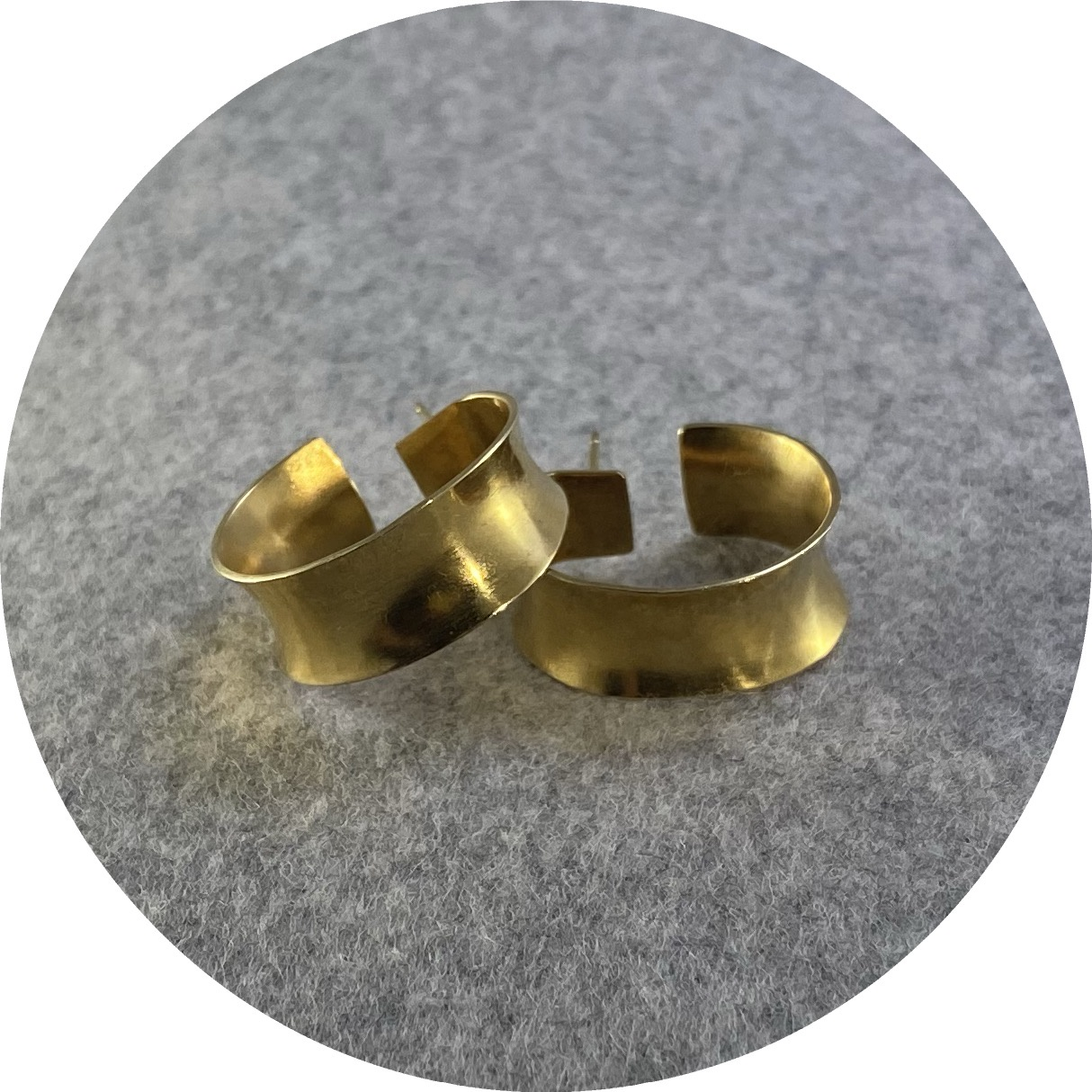 Marissa Ziesing -  'Gold Anticlastic Hoops', 925 silver, yellow gold plate