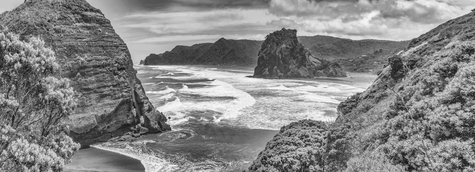 Piha black and white