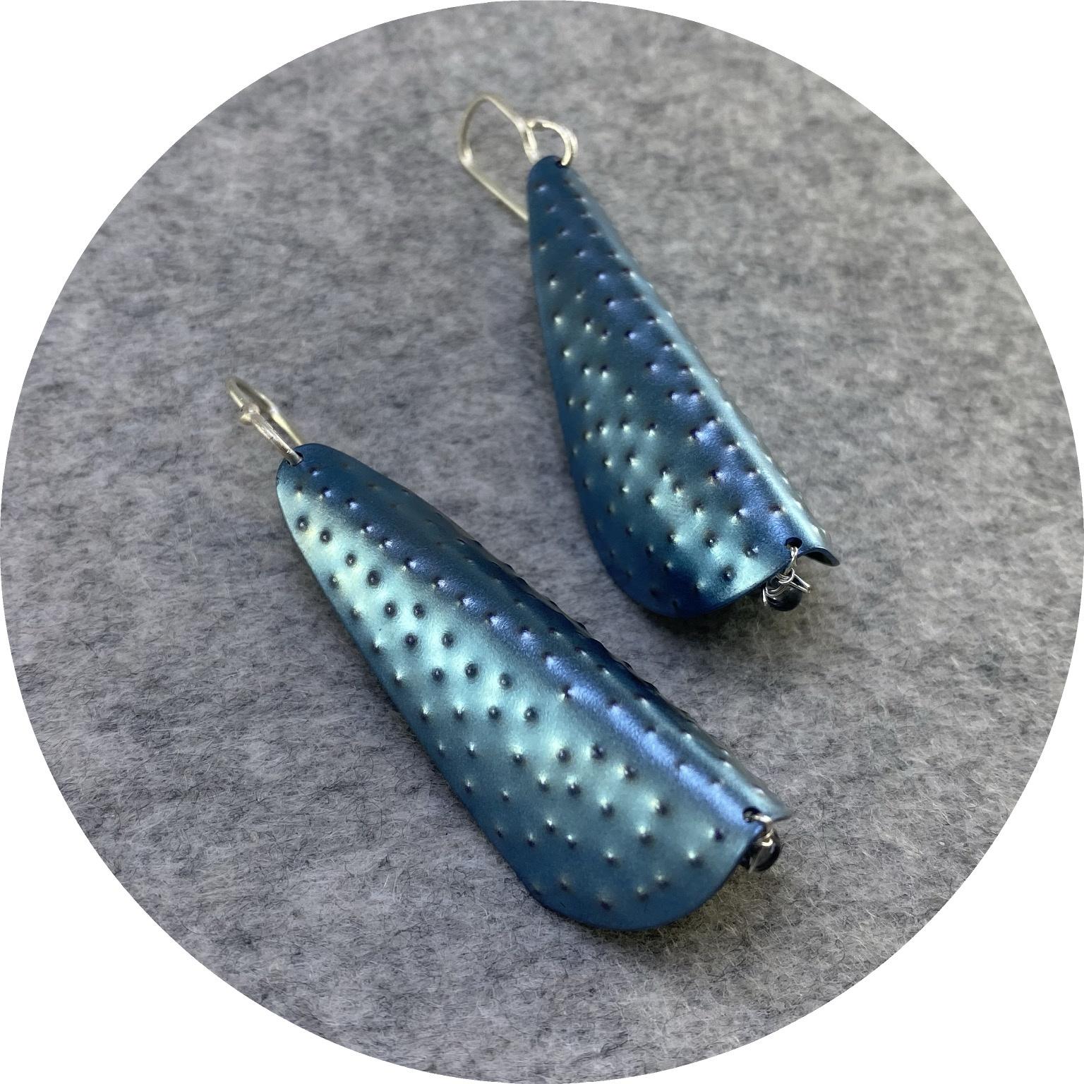 Amanda Croatto - 'Blue Dreams', titanium, 925 silver, fine silver, sapphire
