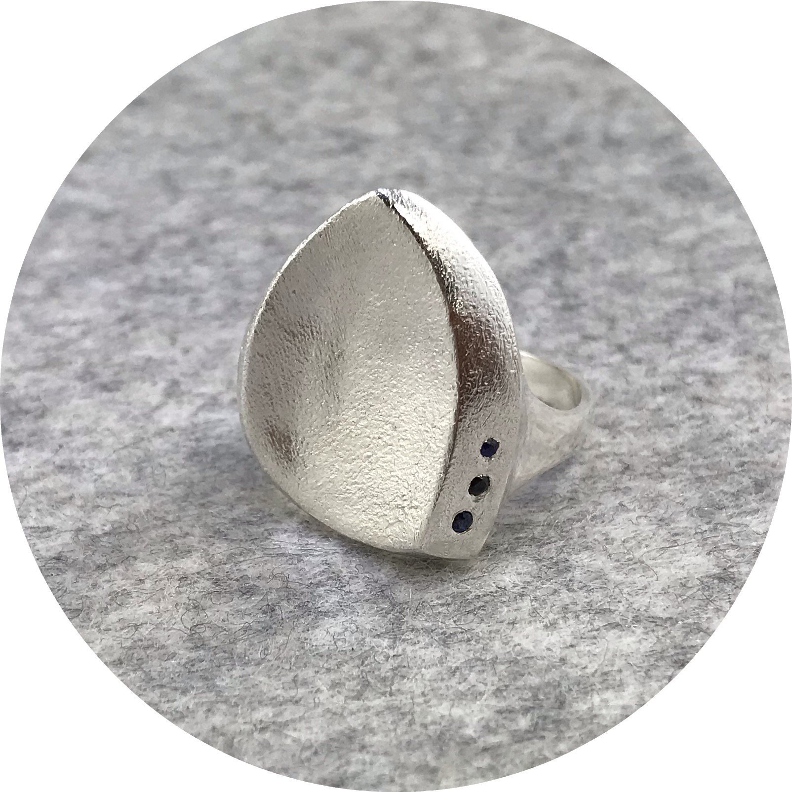 Leonie Simpson - Sterling Silver Coastal Pebble Ring with 2 Sapphires and 1 Spinel