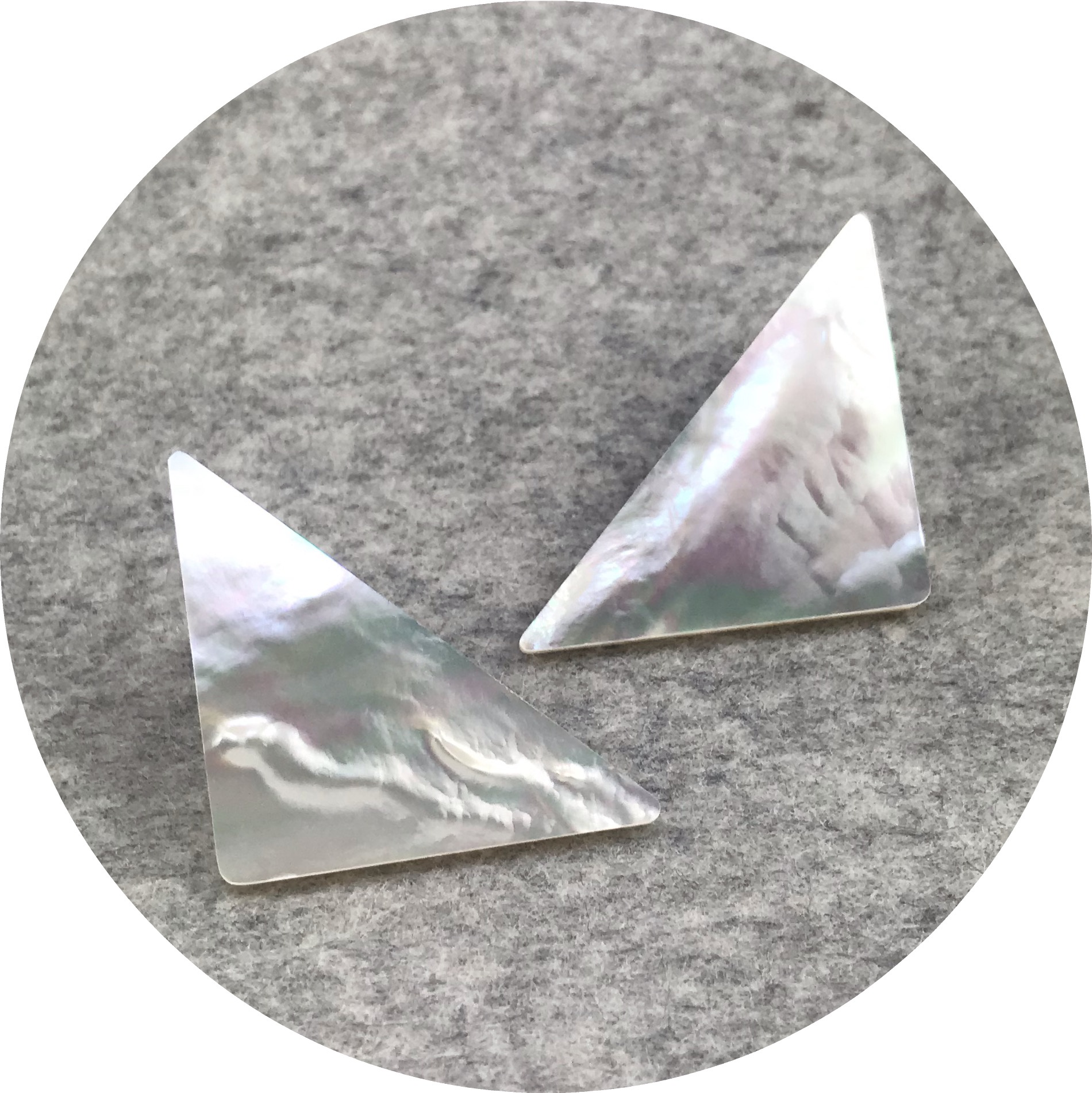 Laura Eyles - 'Mother Of Pearl Triangle Earrings Large', MOP, 925 silver
