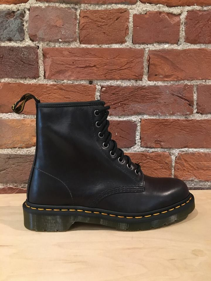 DR. MARTENS - 1460 SMOOTH IN GUNMETAL ORLEANS