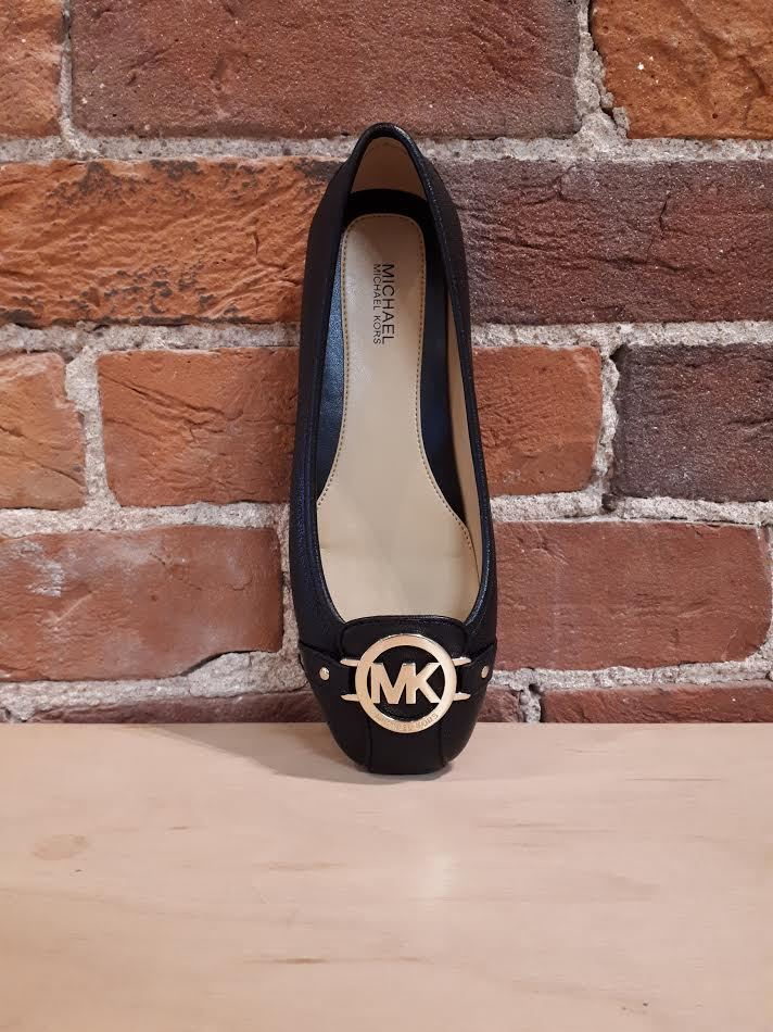 MICHAEL KORS - FULTON MOC IN BLACK WITH GOLD HARDWARE