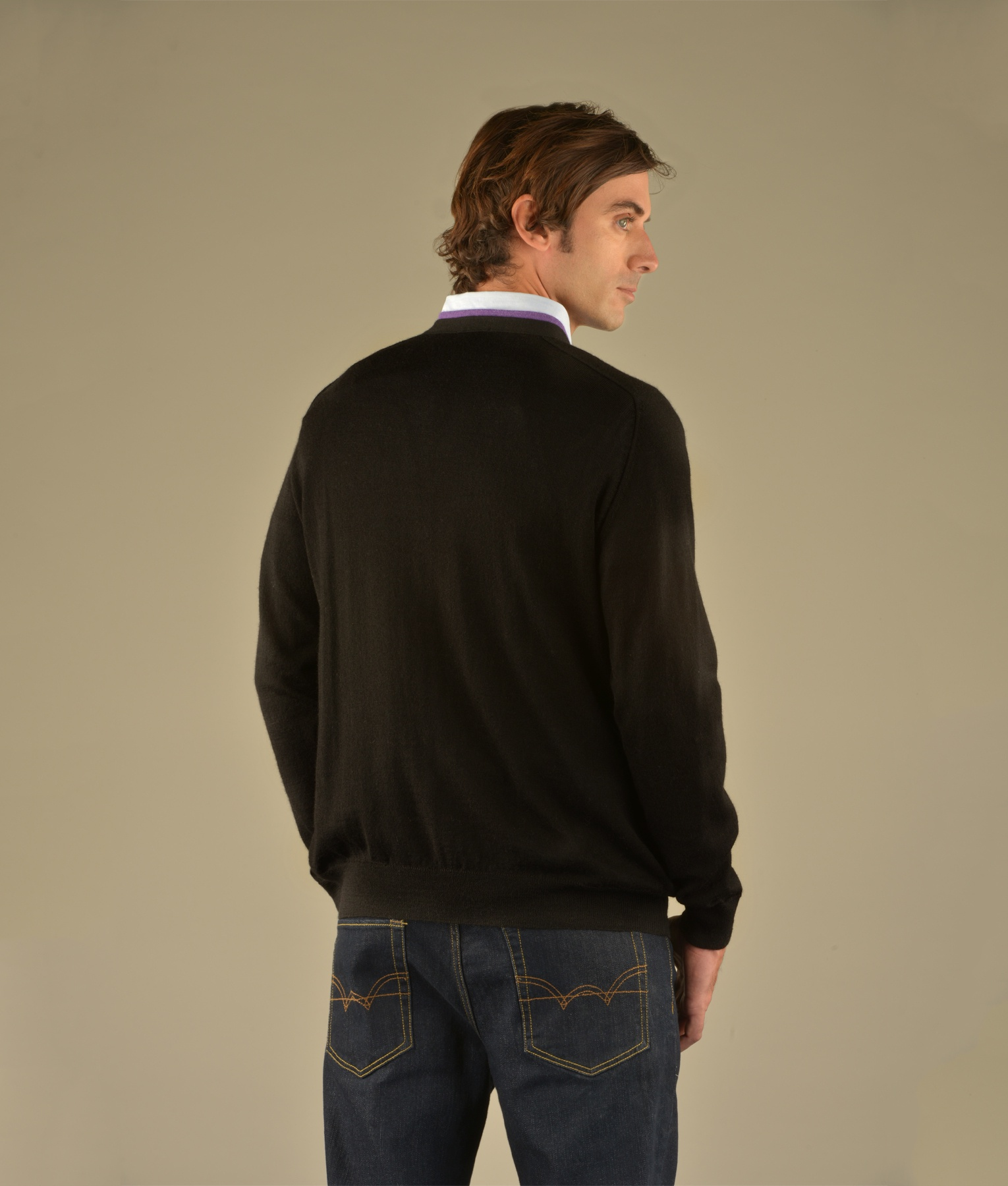 CLASSIC JERSEY SADDLE V NECK SWEATER