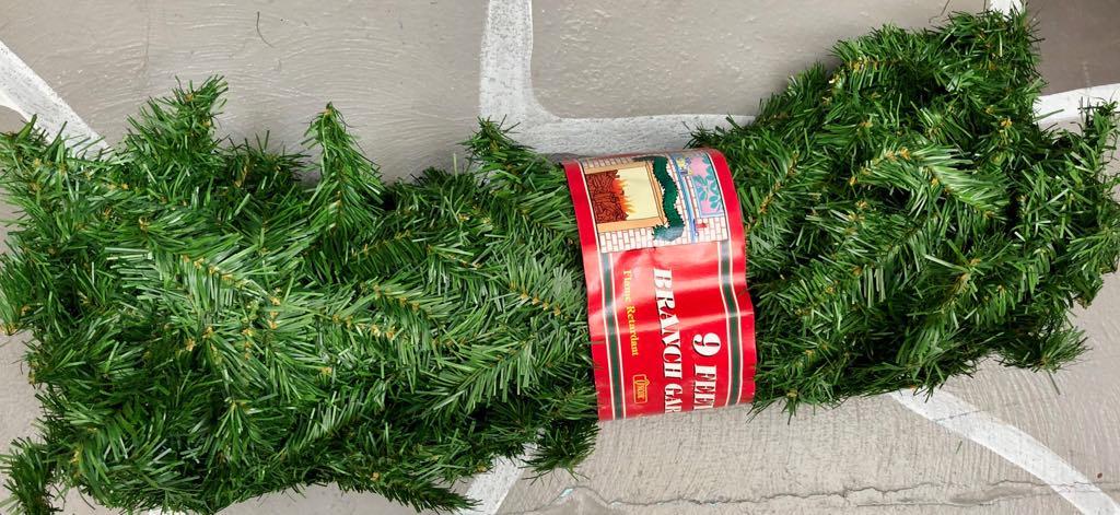 Christmas Pine Garland.Xmas Pine Garland 9ft