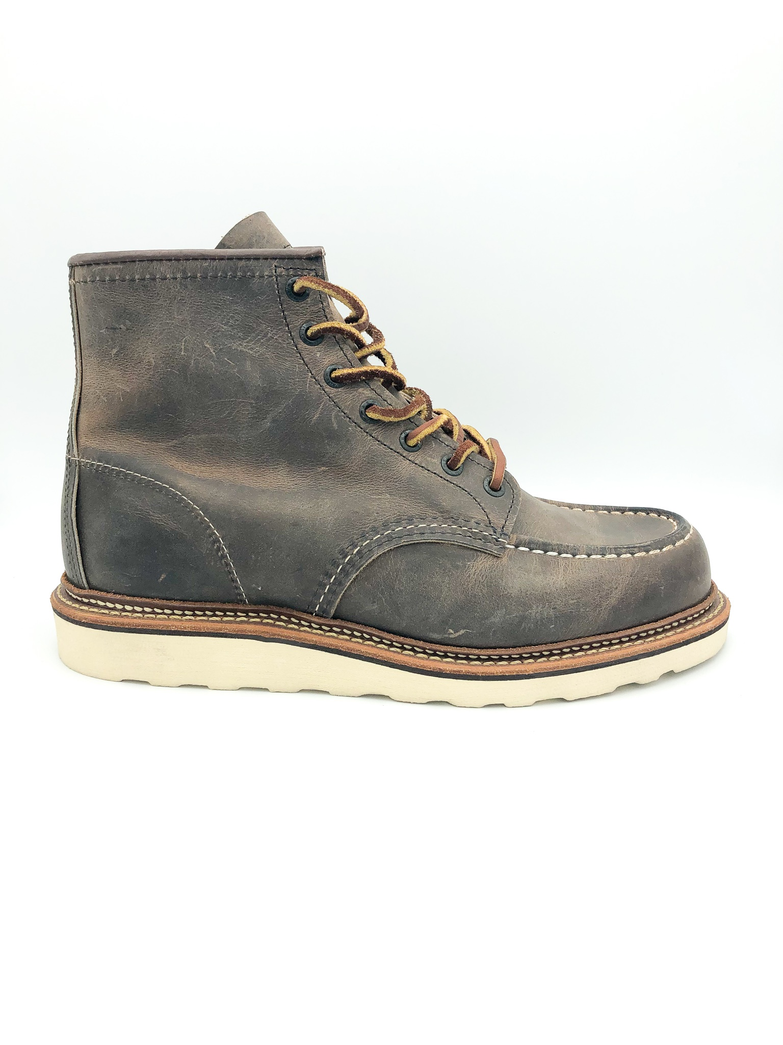 77111b365330 RED WING - MEN S CLASSIC MOC IN CONCRETE ROUGH AND TOUGH LEATHER - the  Urban Shoe Myth