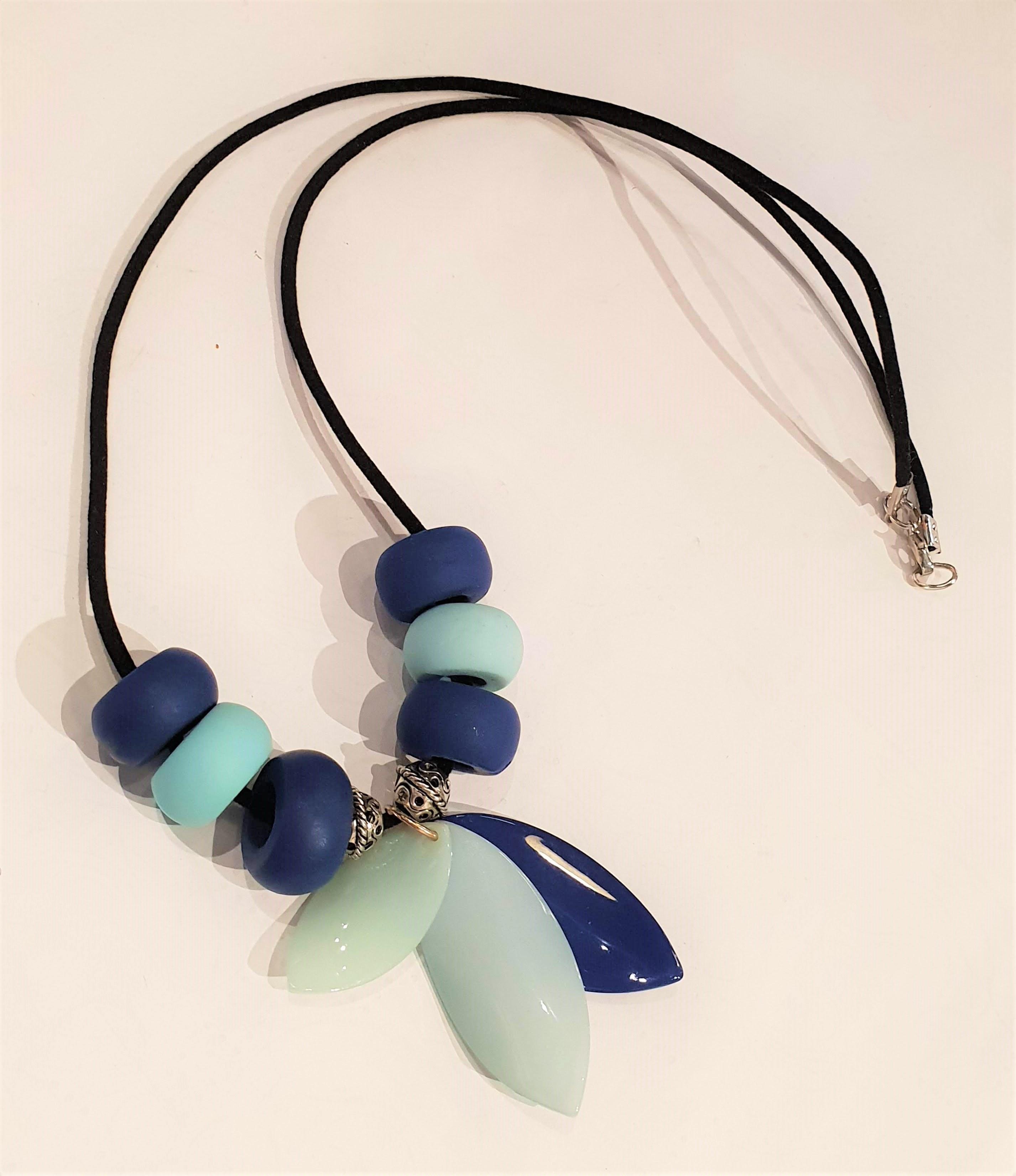 Blue tone necklace