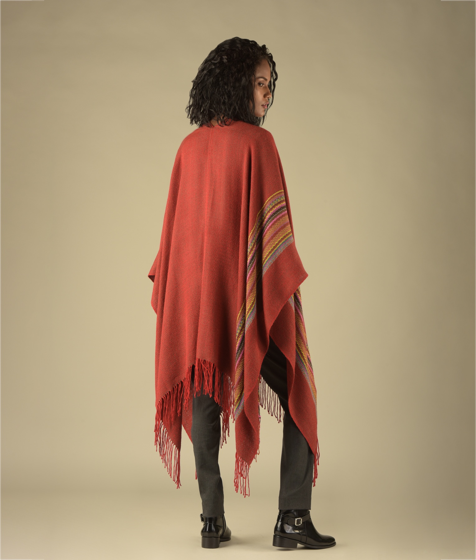 SIMPLICITY LONG FRINGED CAPE C002