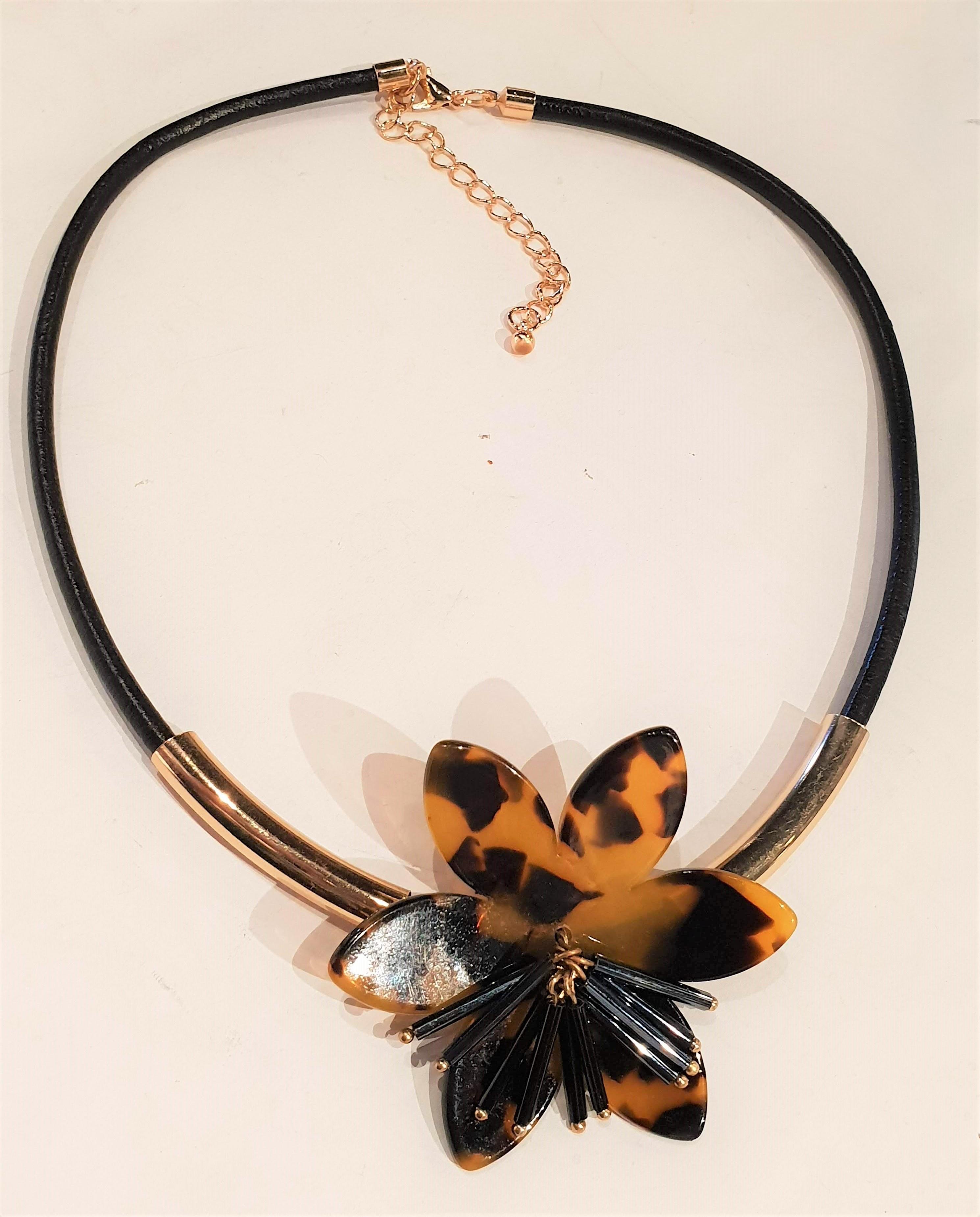 Tortoiseshell (faux) flower choker