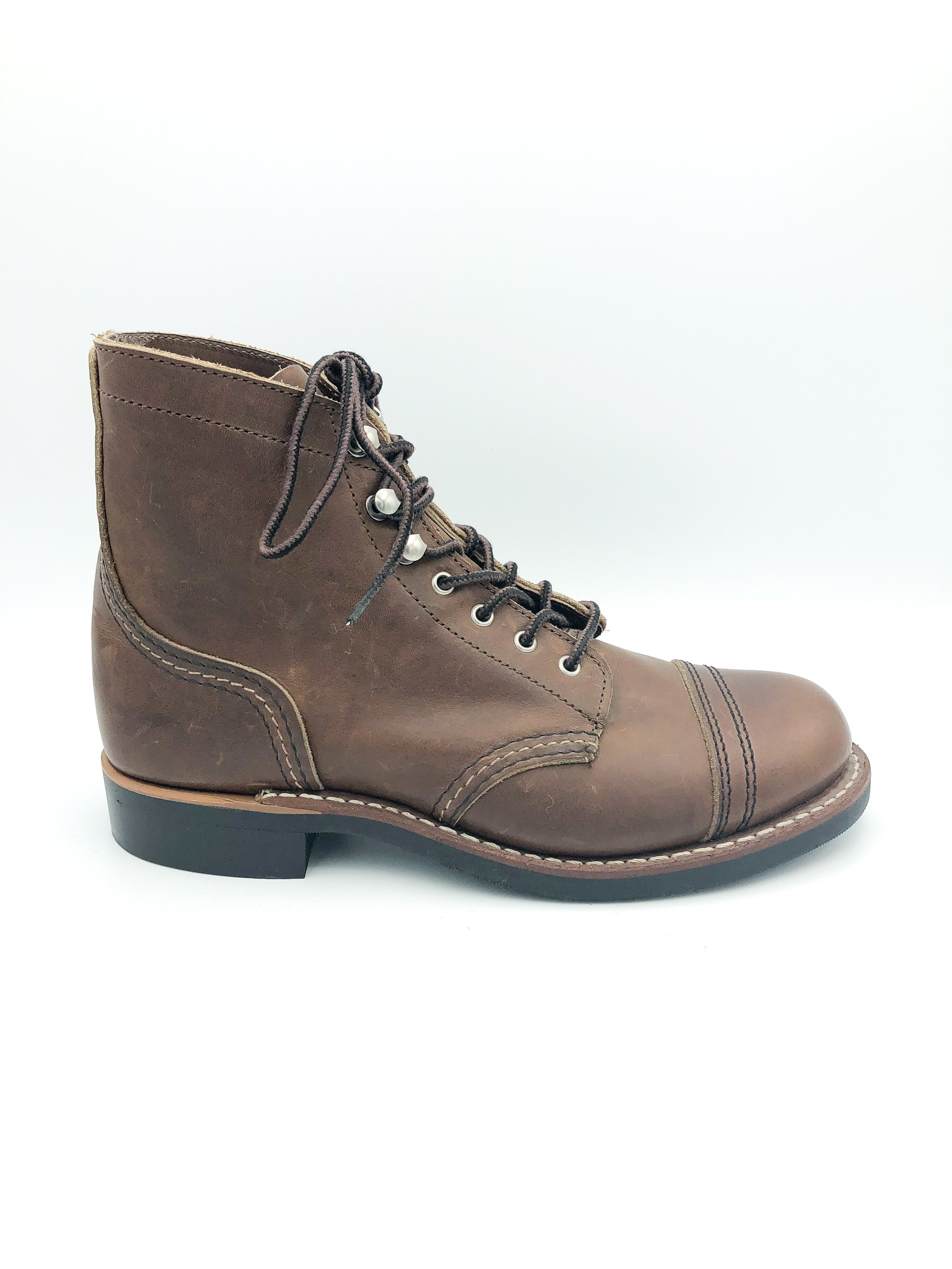 d03d2acf91a RED WING - WOMEN'S IRON RANGER IN AMBER HARNESS