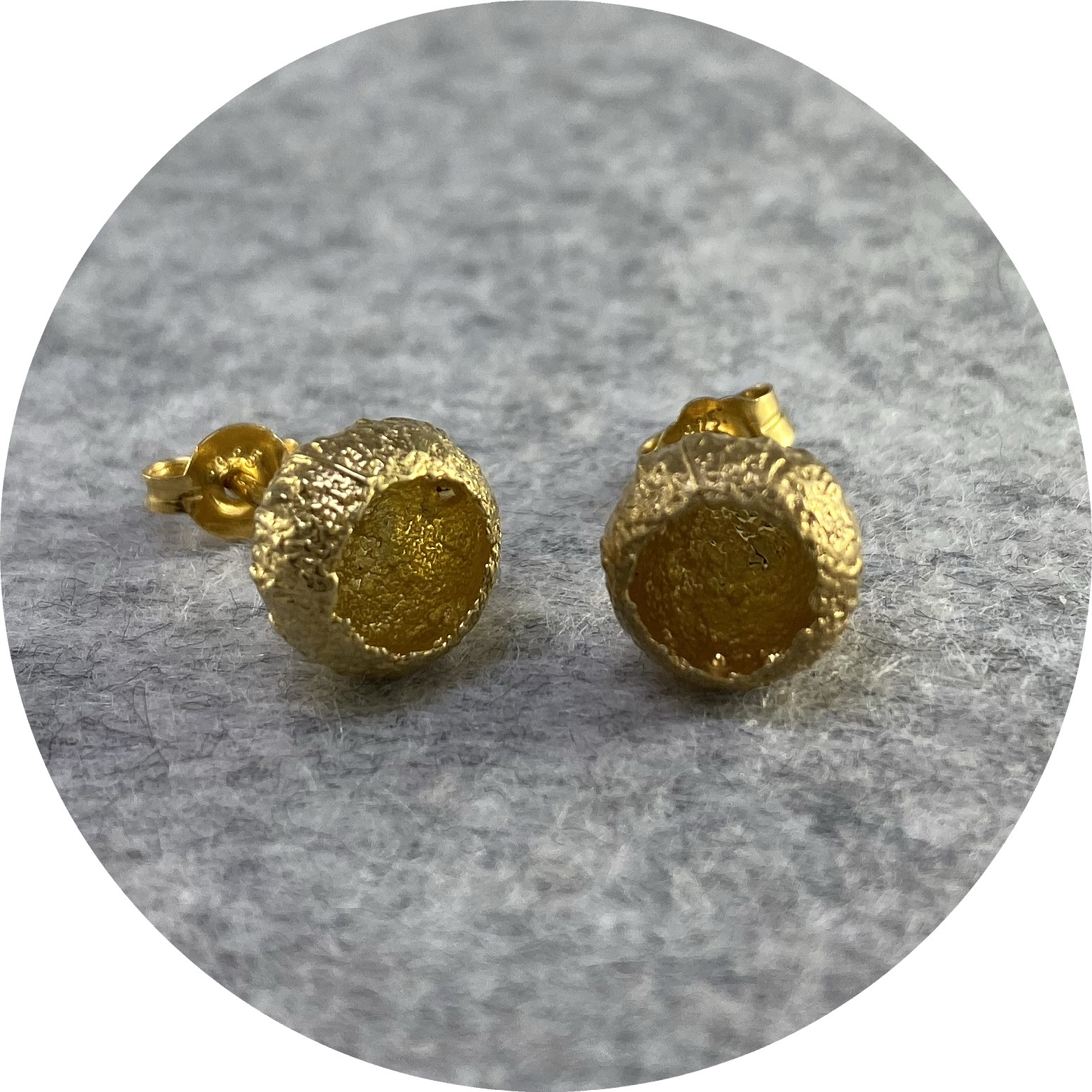 Manuela Igreja - 'Acorn Cap Studs', 925 silver, yellow gold plate