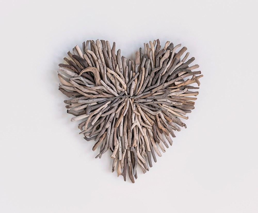 CC- 15.5 x 15.5  Driftwood Heart/ burst