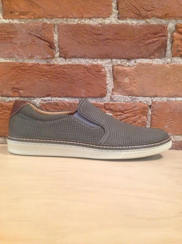 JOHNSTON & MURPHY - MCGUFFEY PERFED SLIP ON IN GRAY