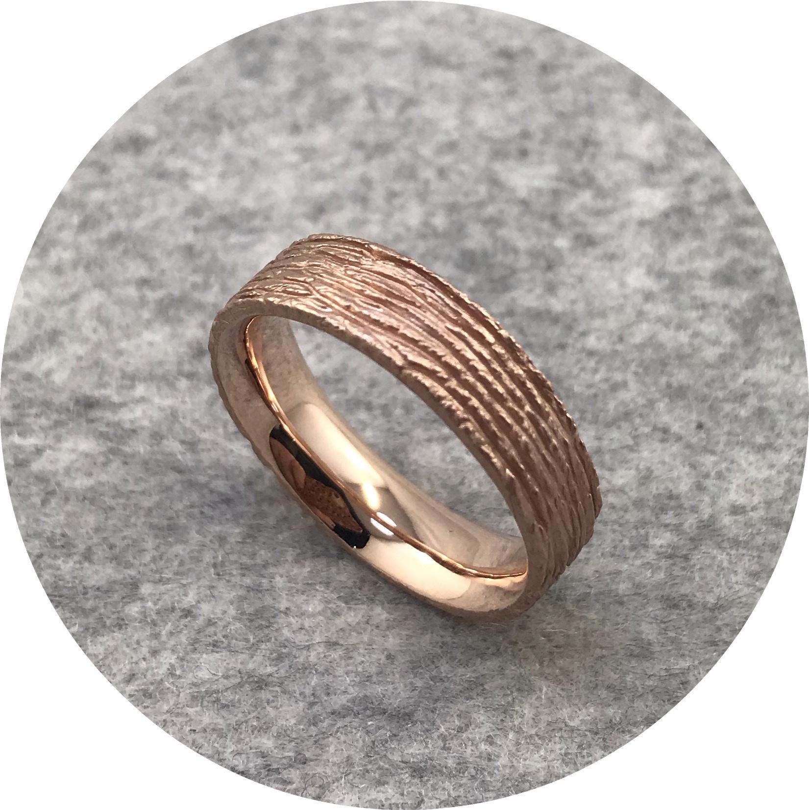 Emily Becher - 'Cedar Ring', 9 carat rose gold T.5